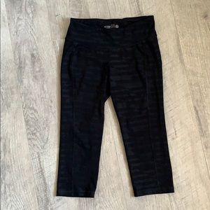 Old Navy Active Black Crop Leggings